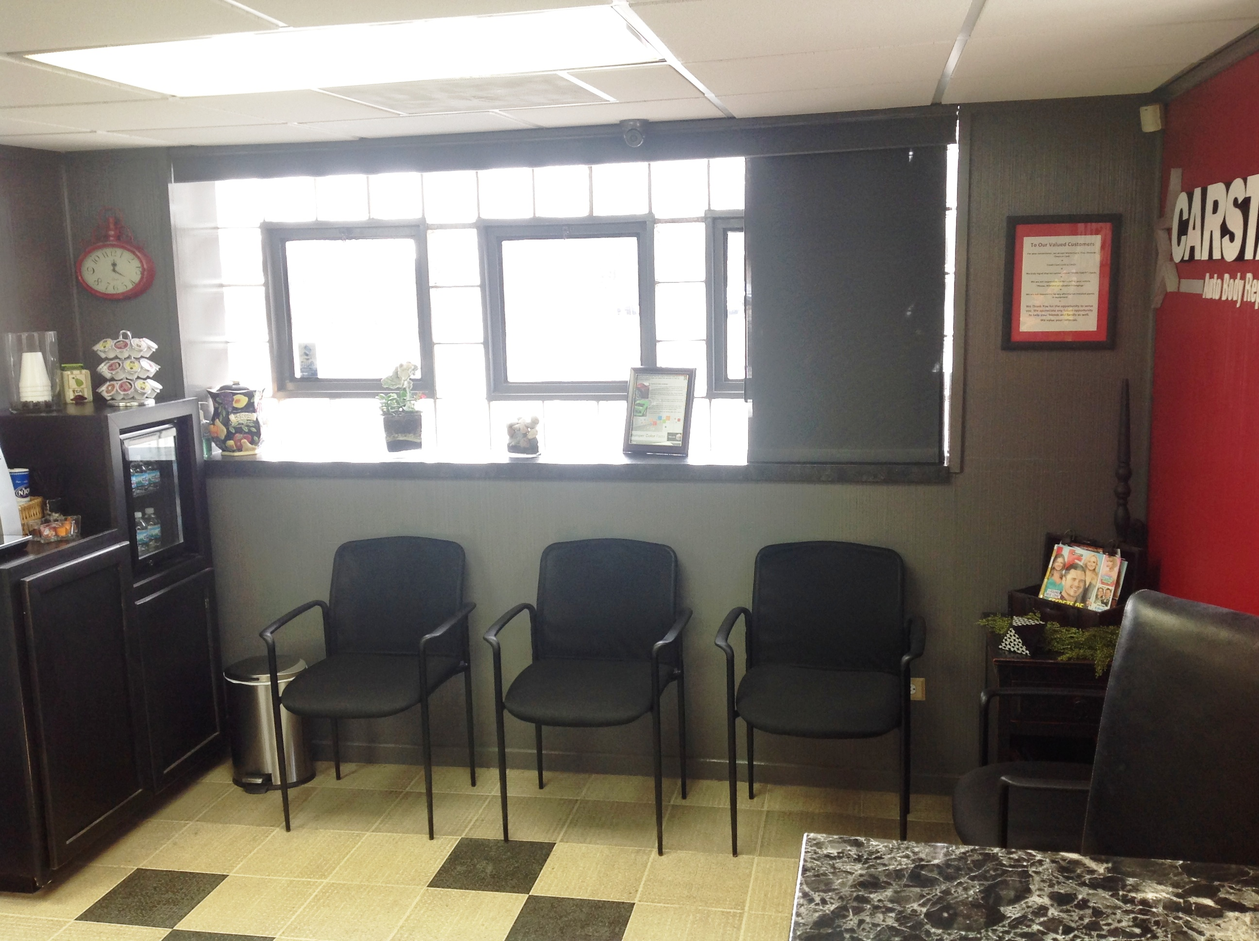 Wally's CARSTAR Auto Body: Waiting Area