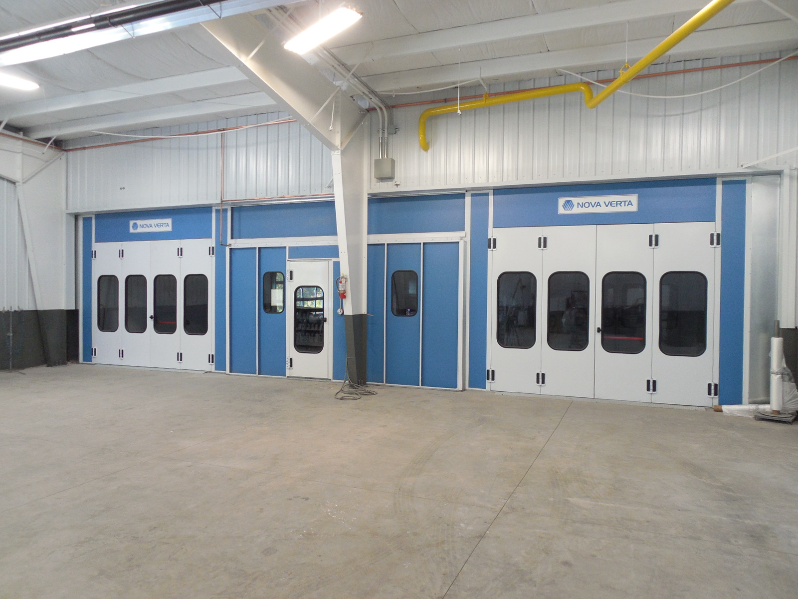 CARSTAR West Seneca: Paint Booths