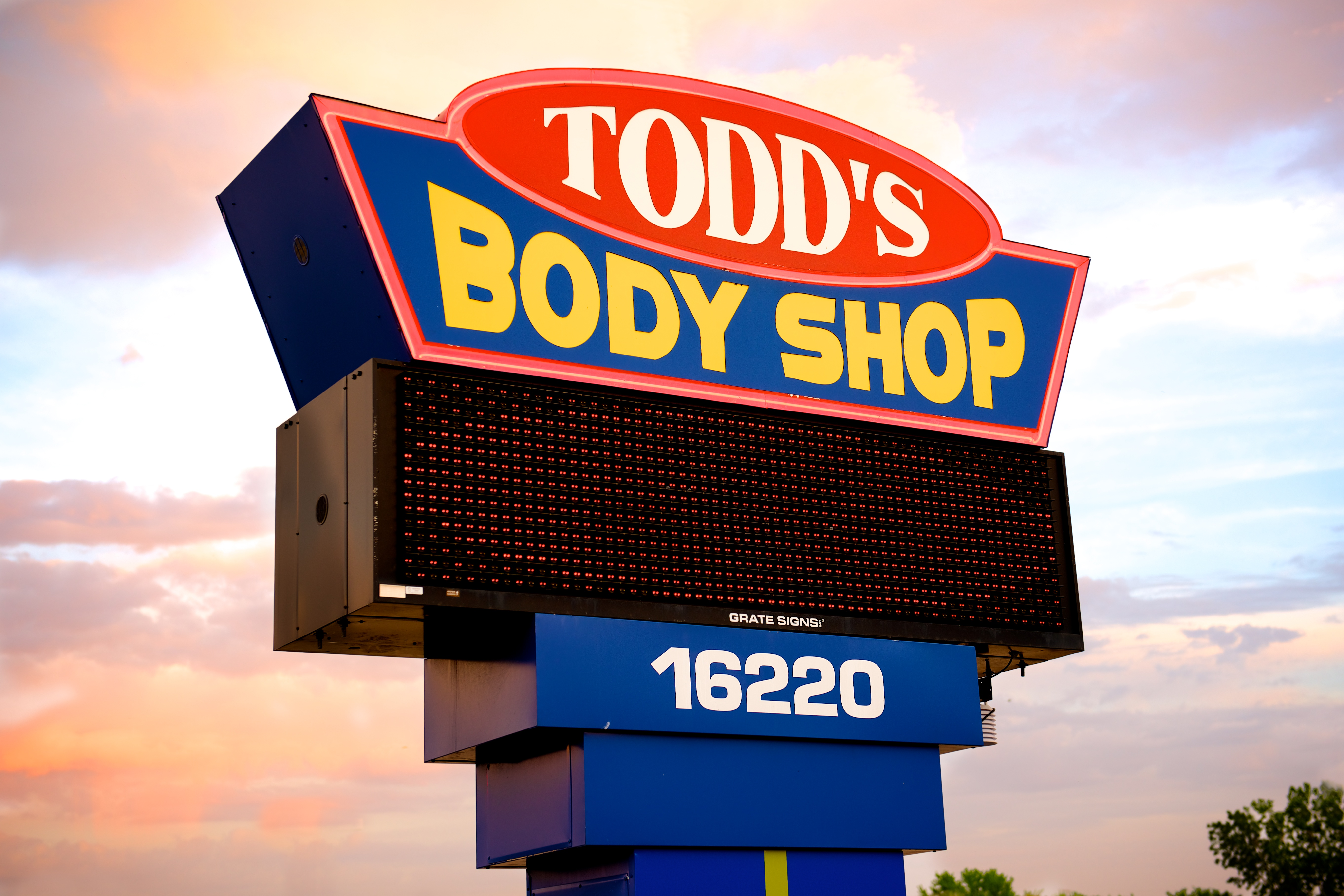 Todd's Body Shop Sign