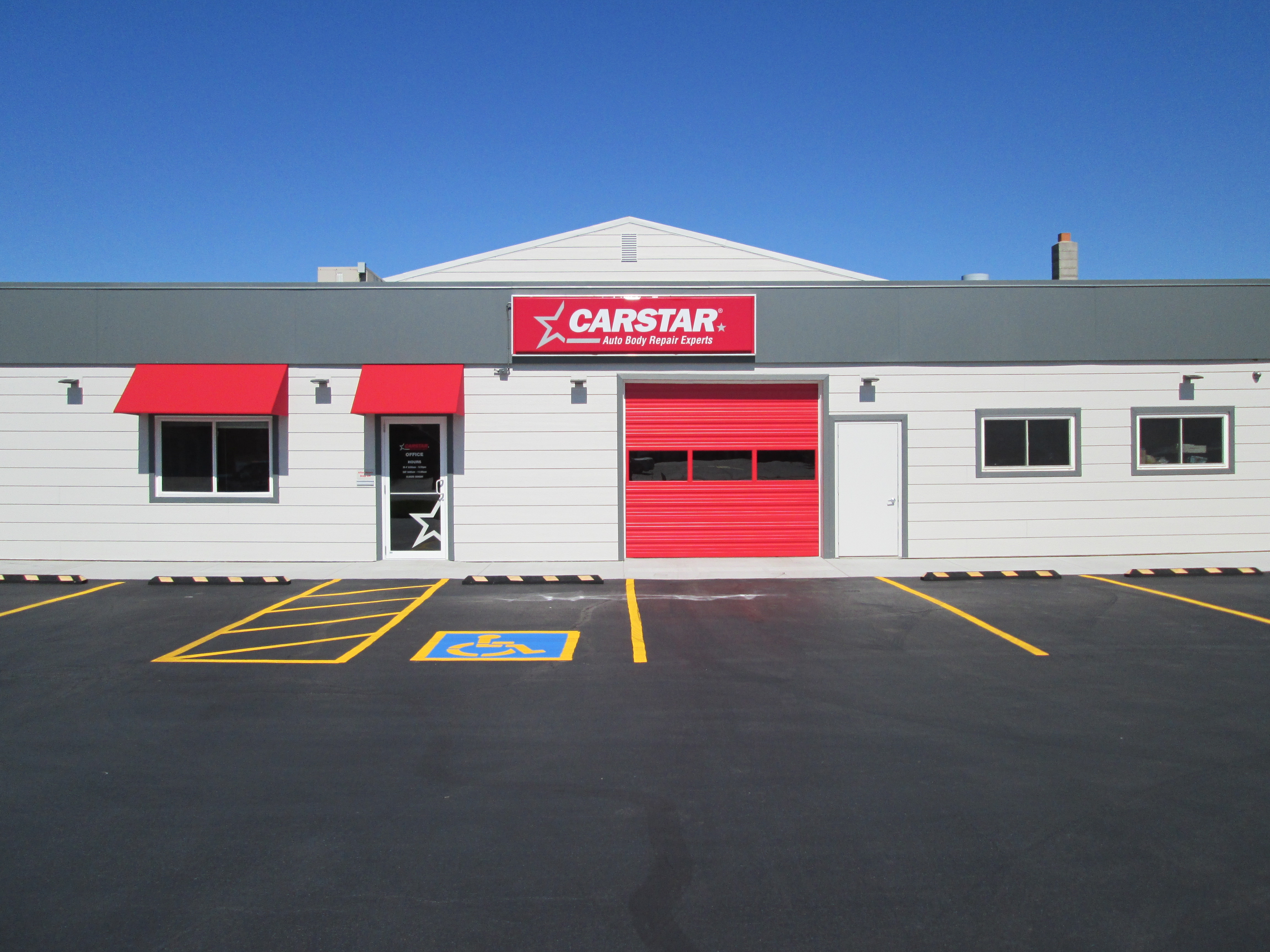 Carstar   front of building