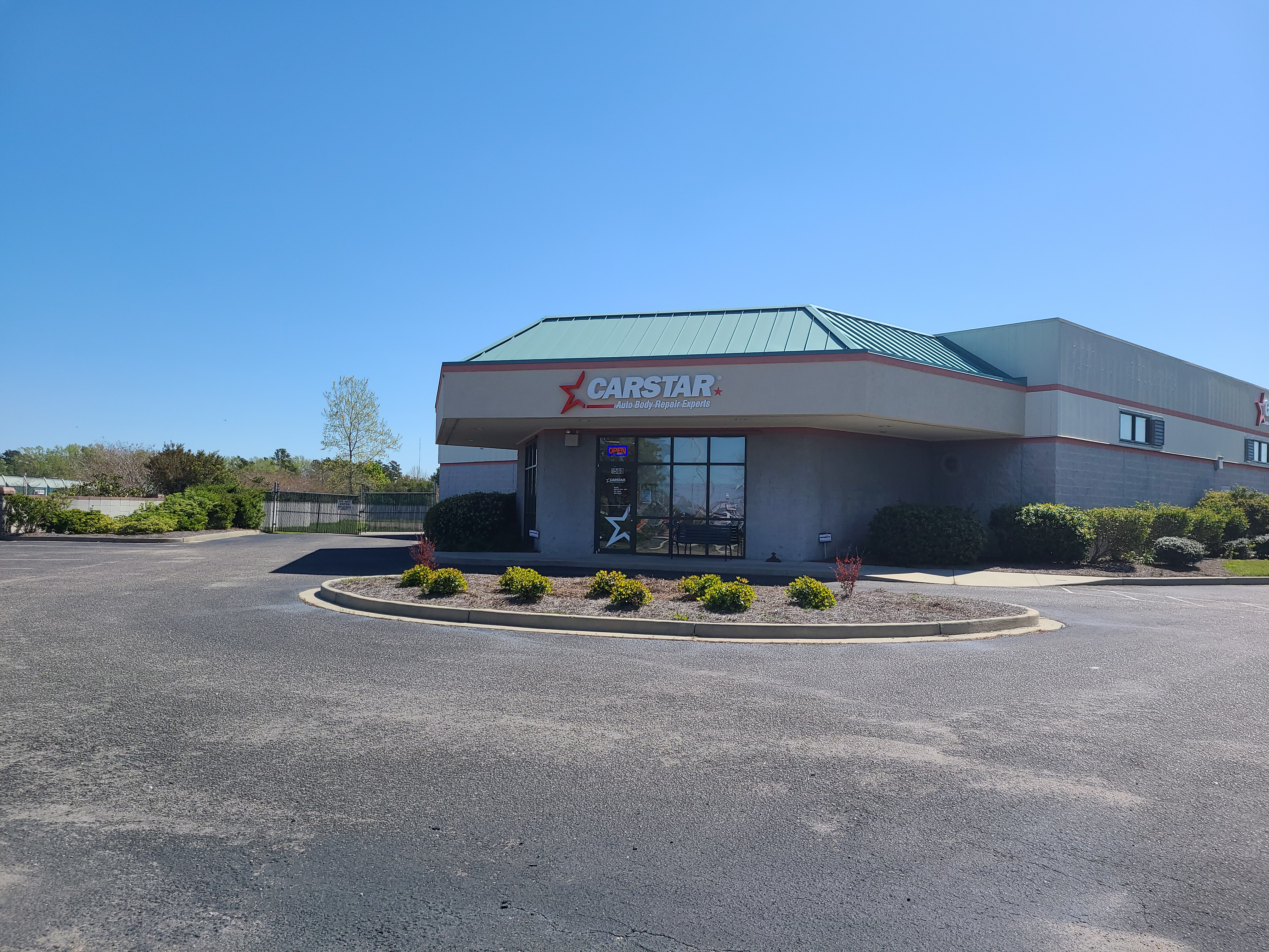 Carstar   Building Front
