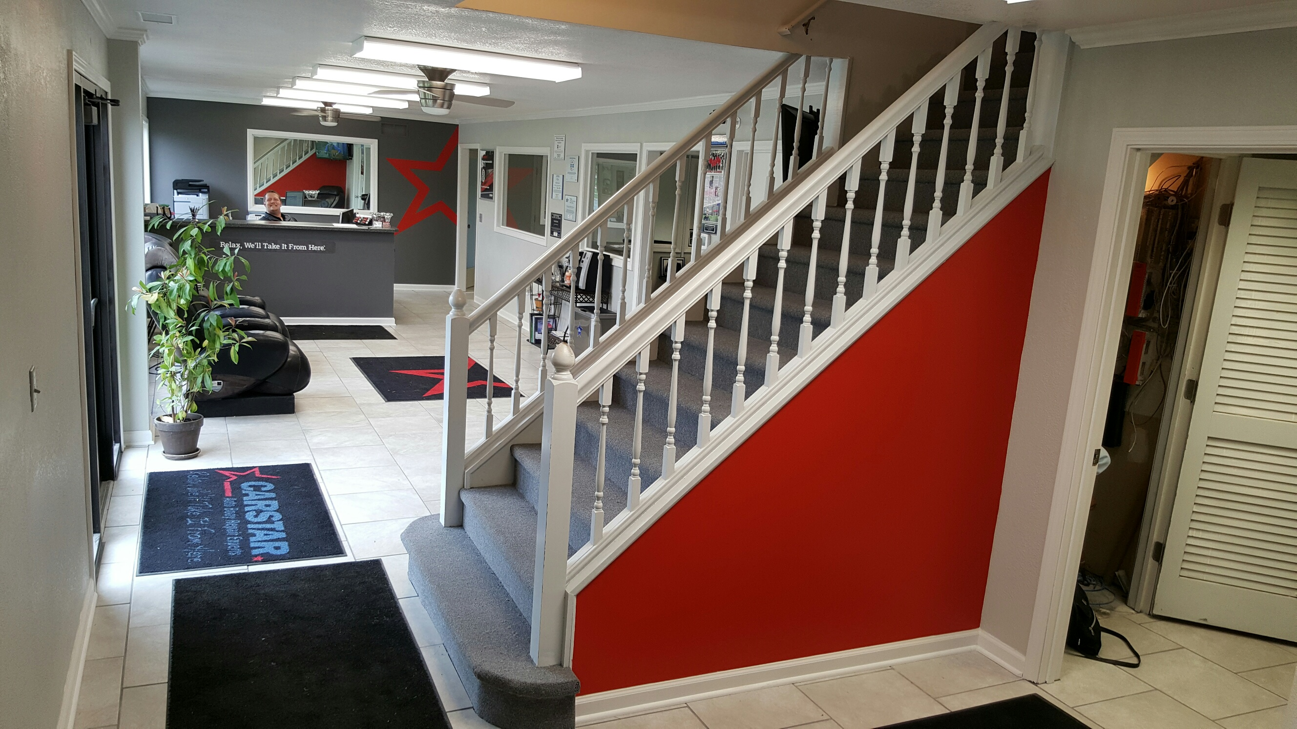 CARSTAR Wicklunds Liberty - Shop Interior