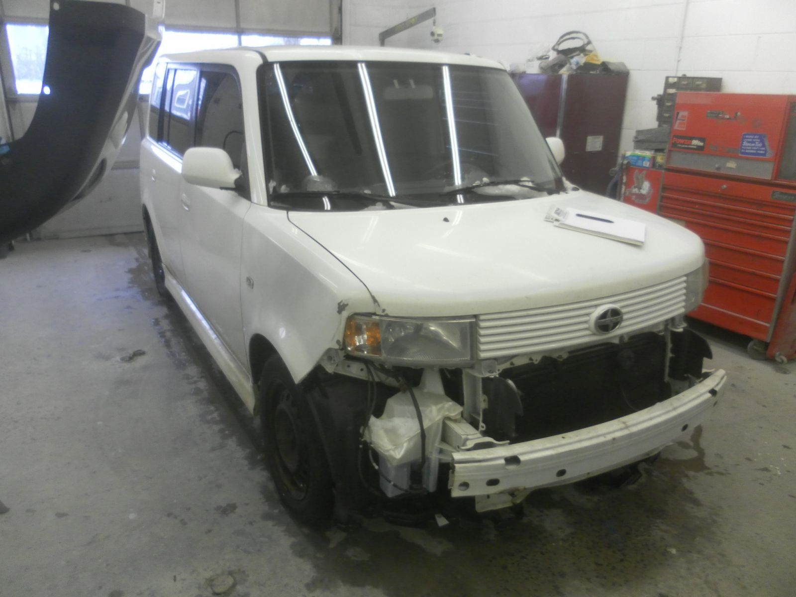Hunter's CARSTAR: Scion Xb - BEFORE