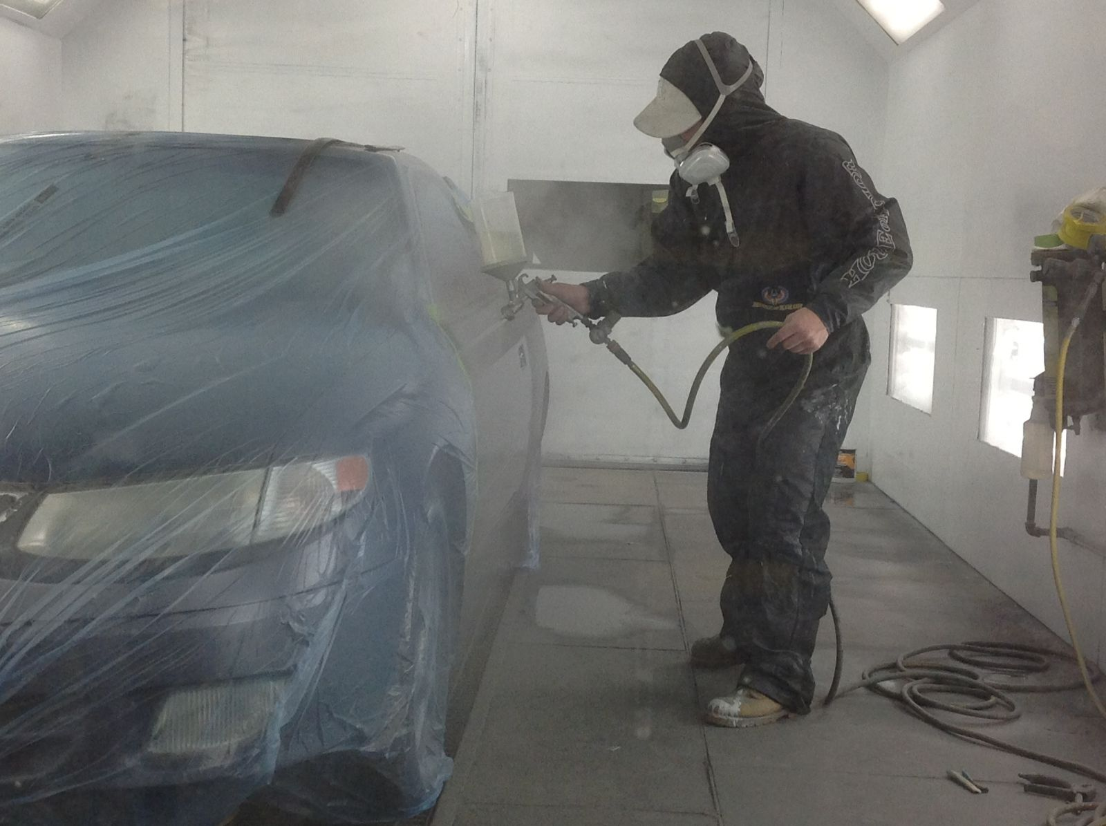 Wally's CARSTAR Auto Body: Paint Tech
