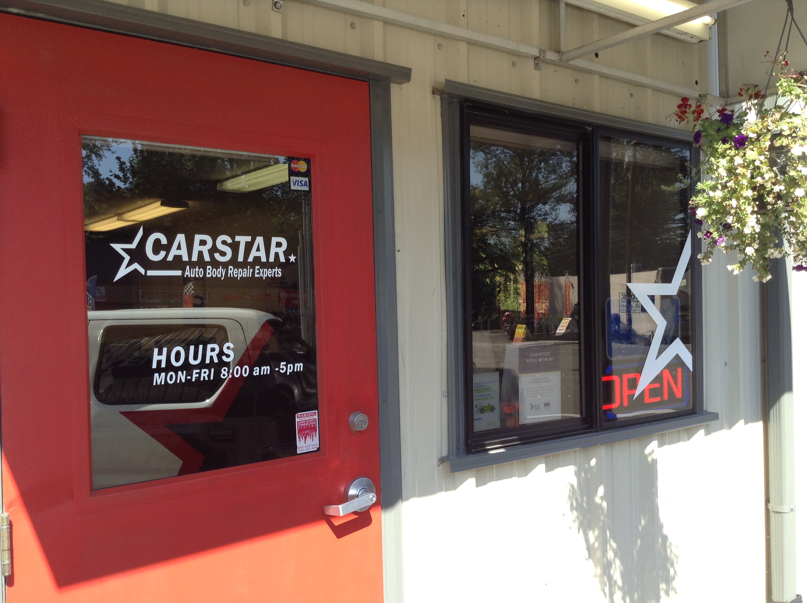 CARSTAR Bothell Auto Rebuild: Front Door
