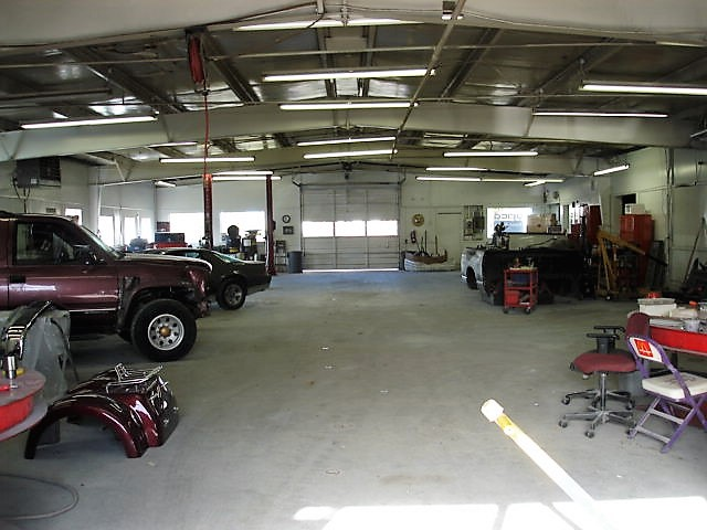 Hi-Tech CARSTAR Eastside: Shop Floor