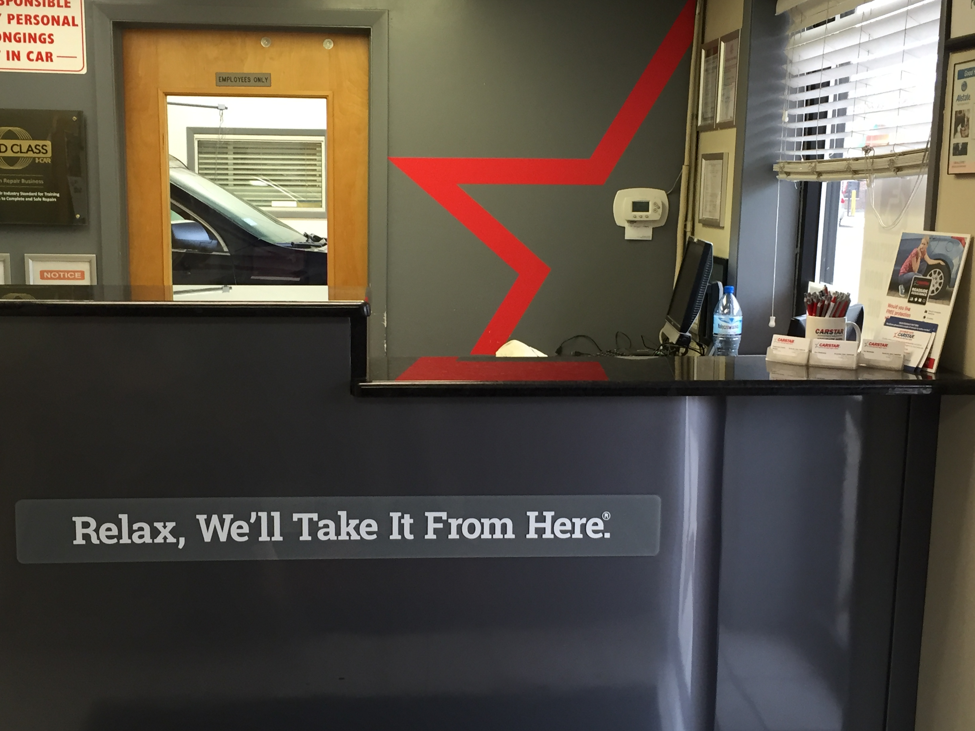 Accurate Auto Body CARSTAR: Receptionist's Desk