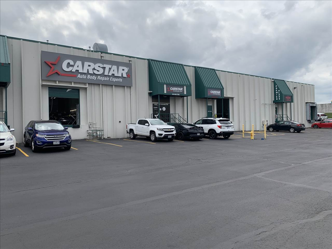 Carstar | CARSTAR Riverside Exterior