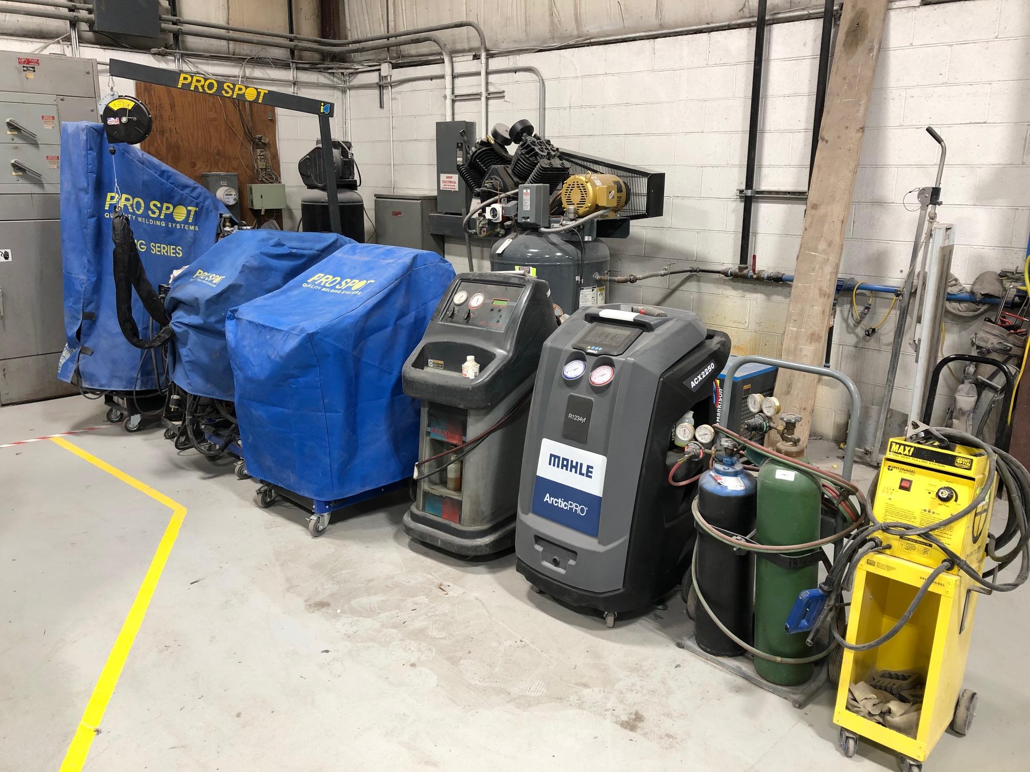 Carstar | Welders and A/C equipment