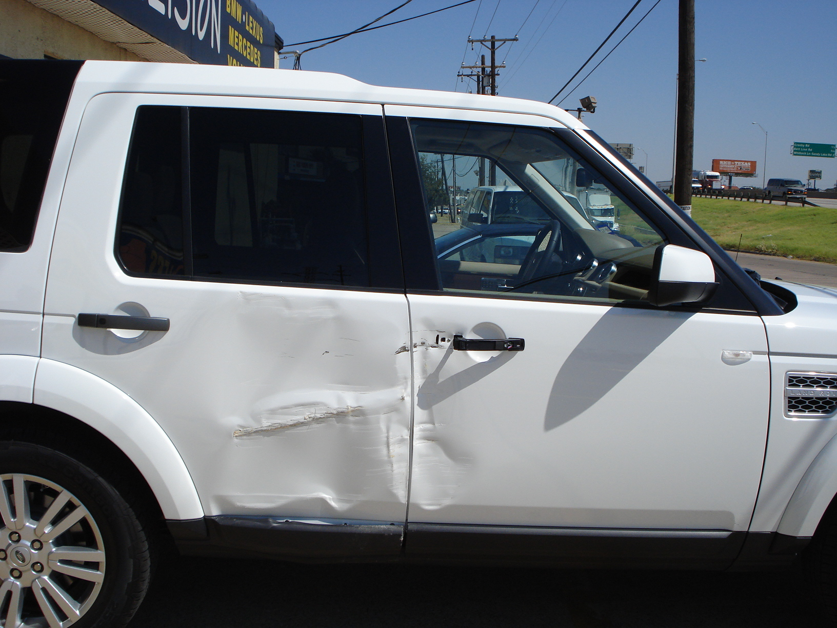 Land Rover Before Body Repair Damage Collision Dallas North Texas