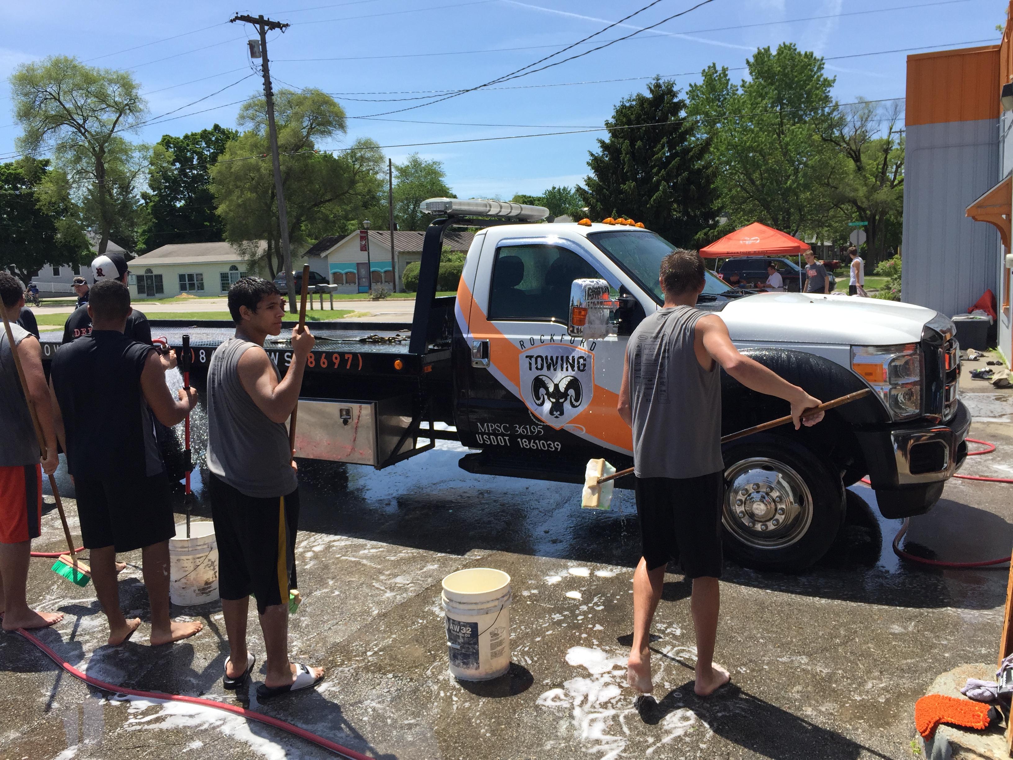 CARSTAR of Rockford: Community Car Wash