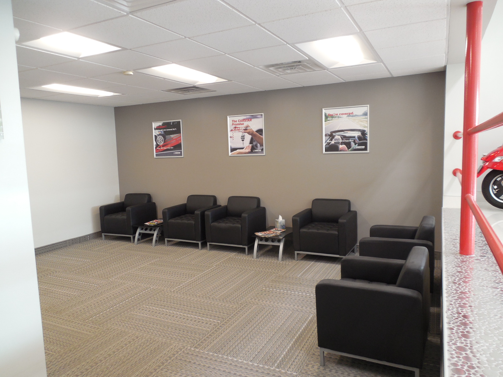 CARSTAR West Seneca: Customer Waiting Area
