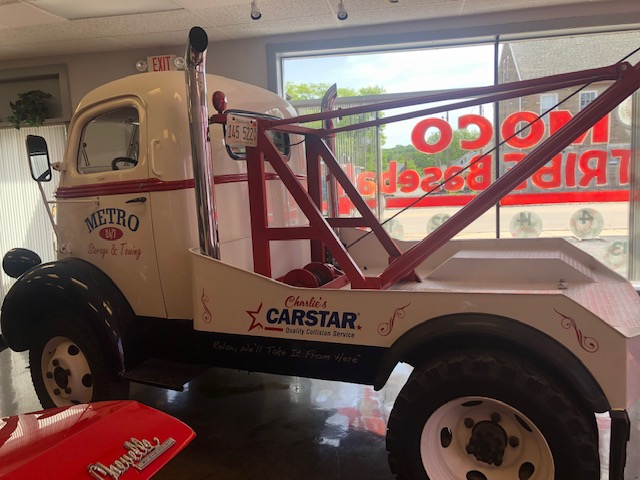 CARSTAR Charlie's Columbia Tow Truck