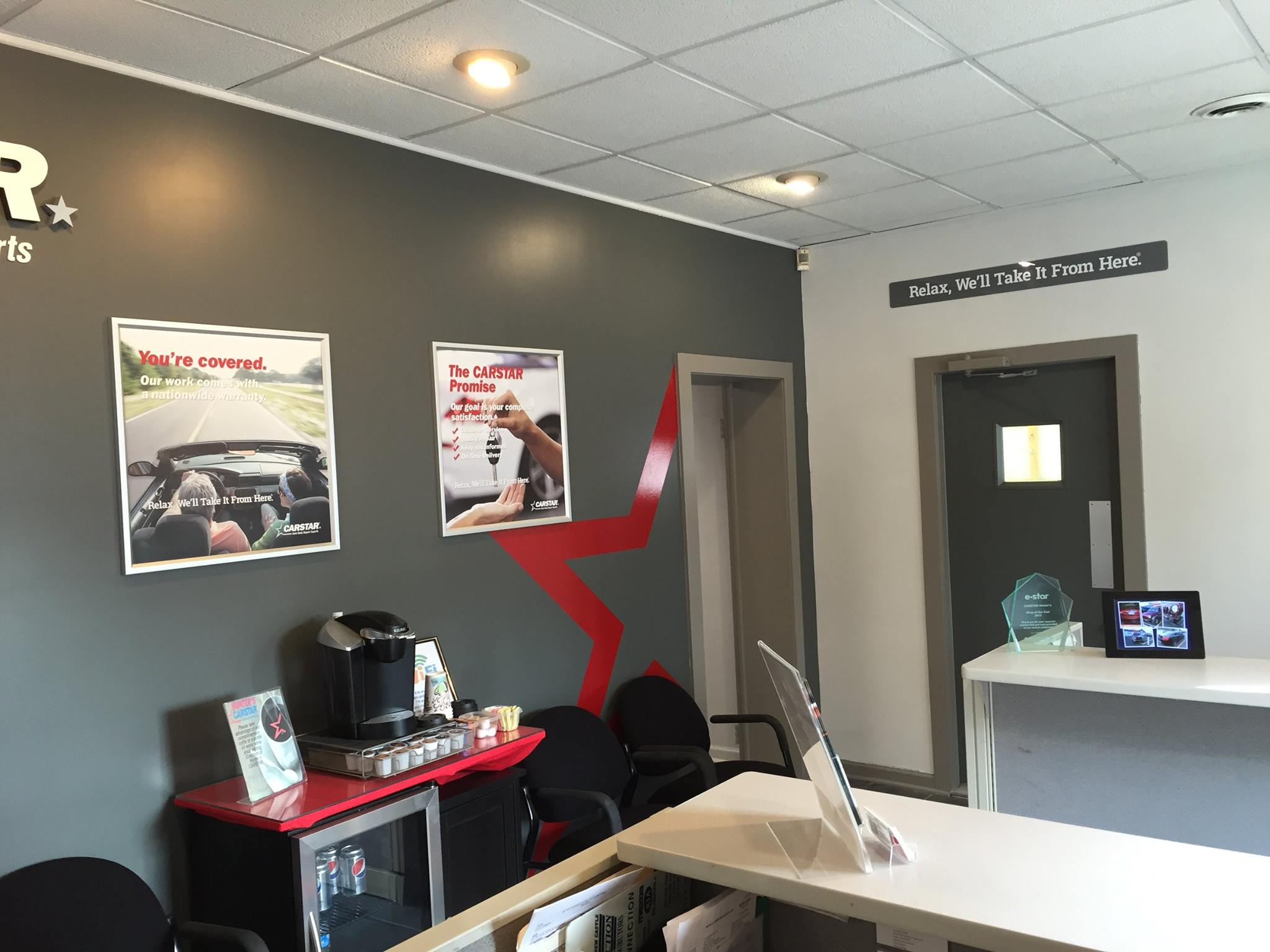 Hunter's CARSTAR: Customer waiting area