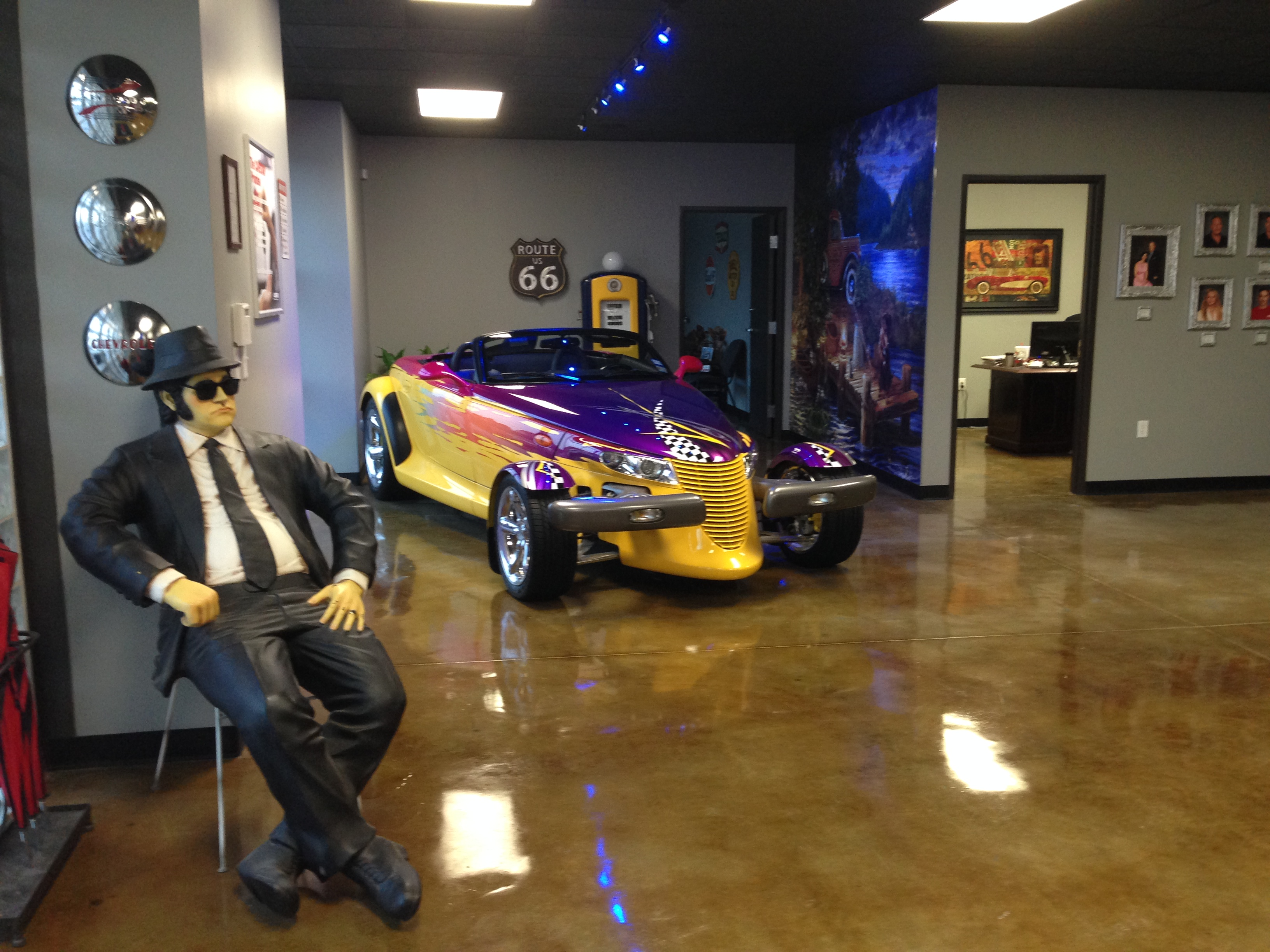 Showroom Pic #2