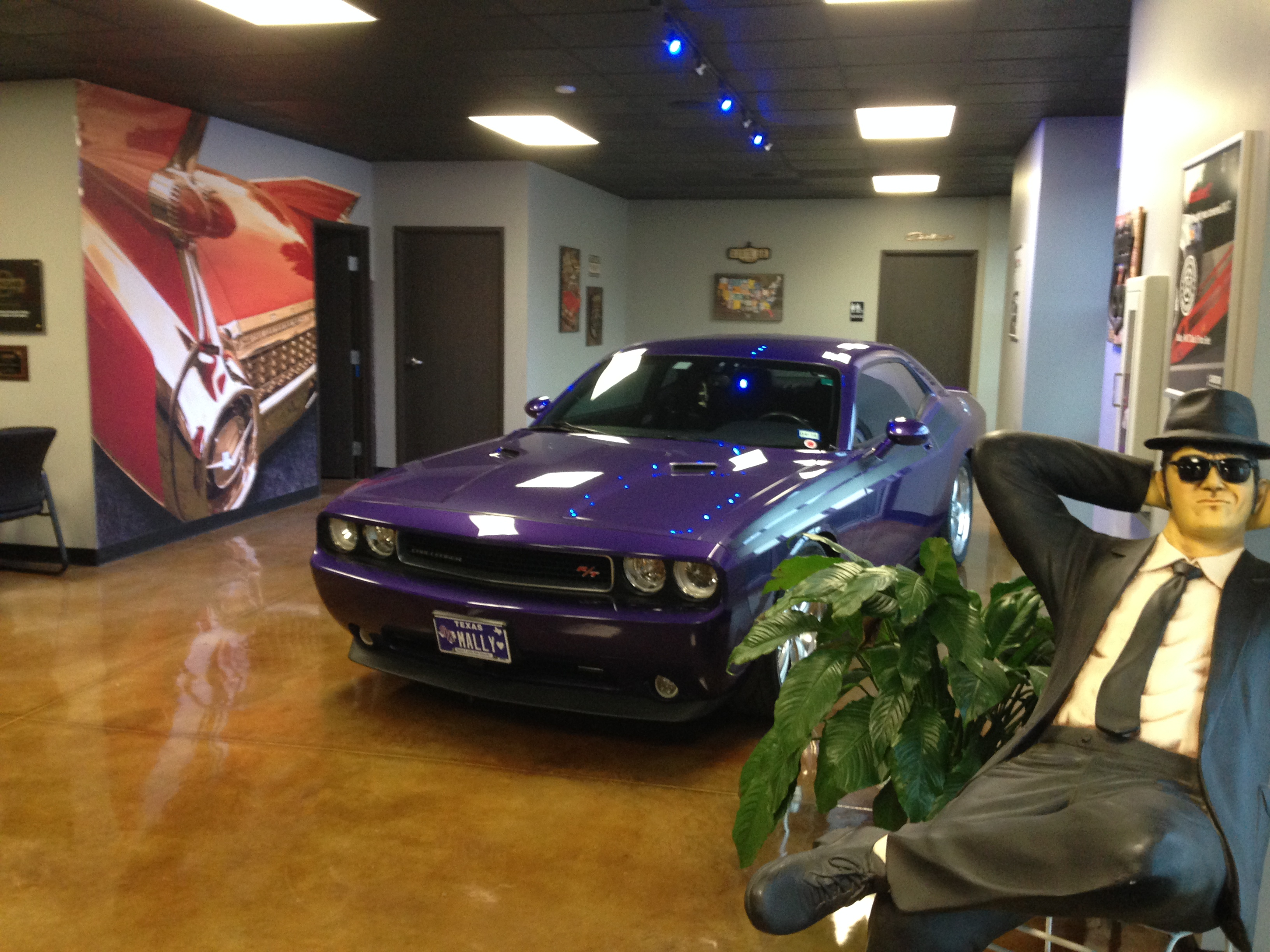 Showroom Pic #1