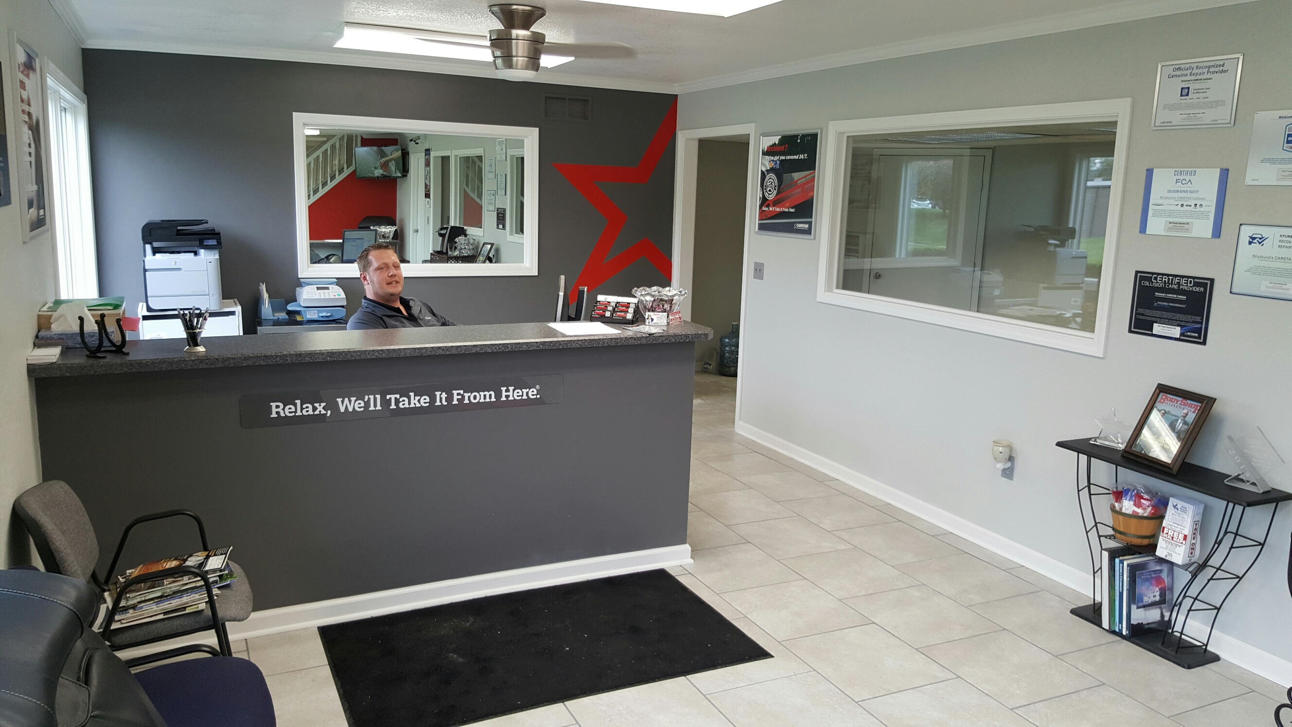 CARSTAR Wicklunds Liberty - Front Desk