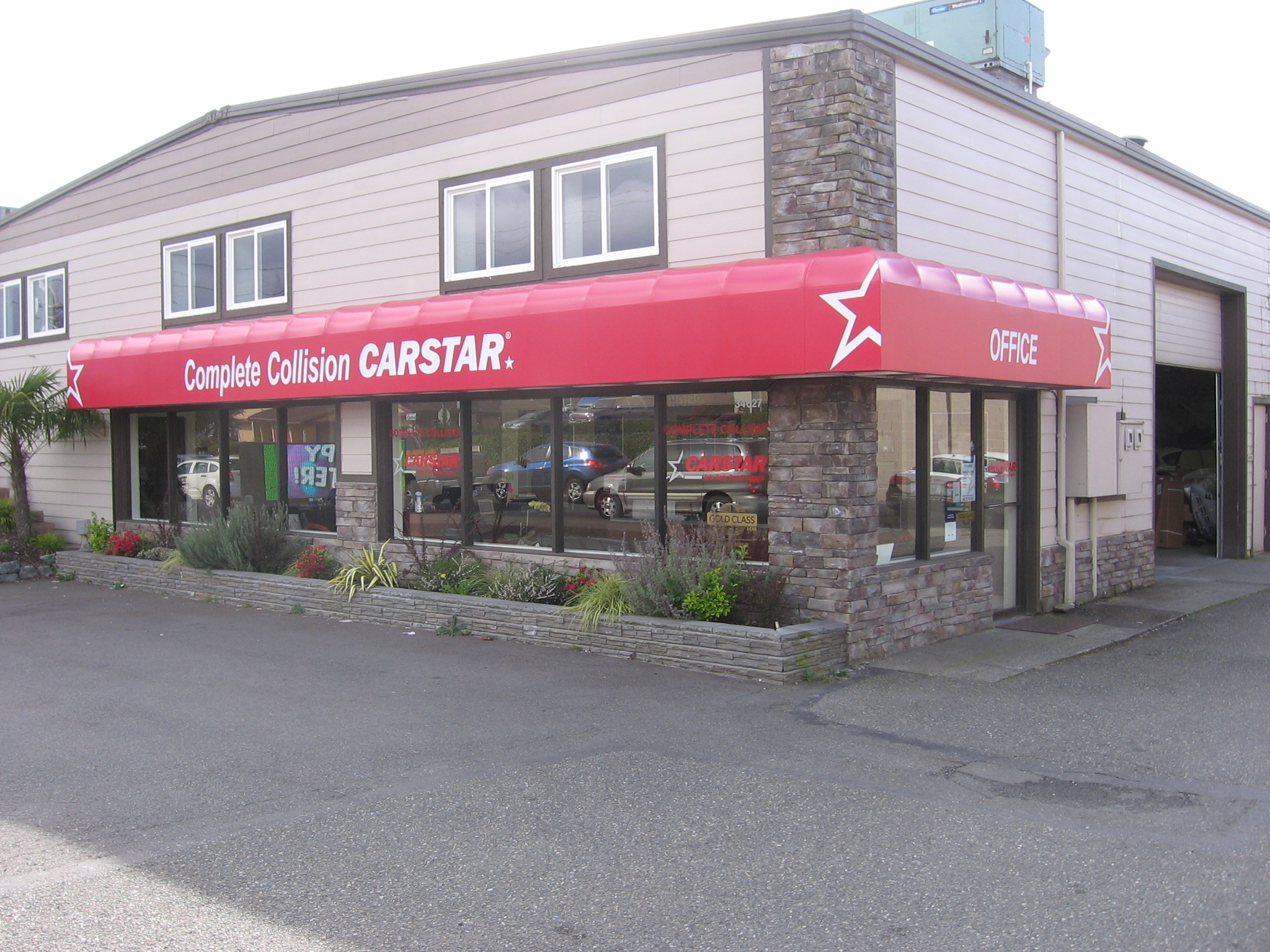 Complete Collision CARSTAR: Exterior