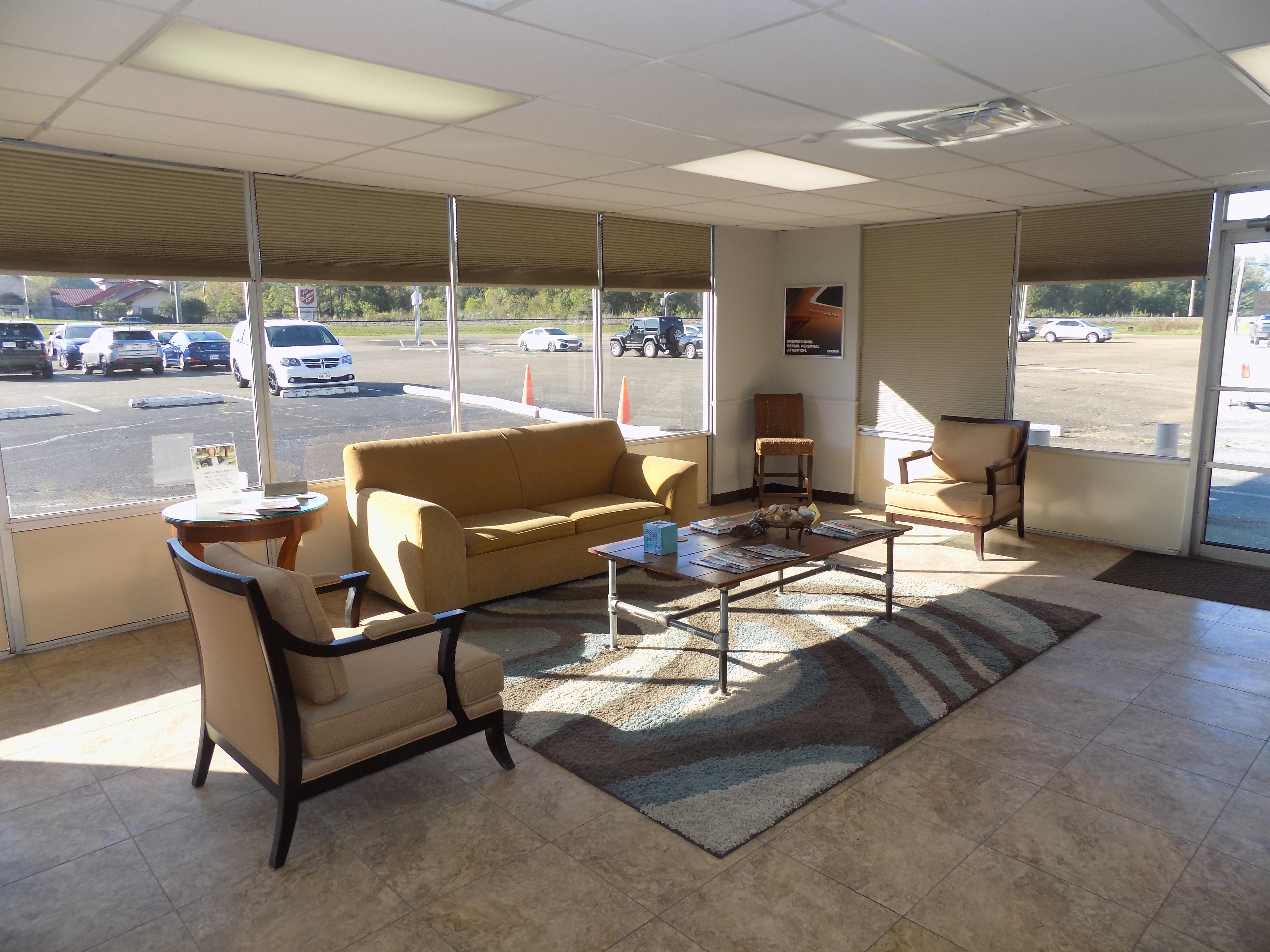 Carstar | Customer waiting area