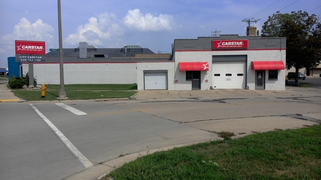 Carstar | Front of Building