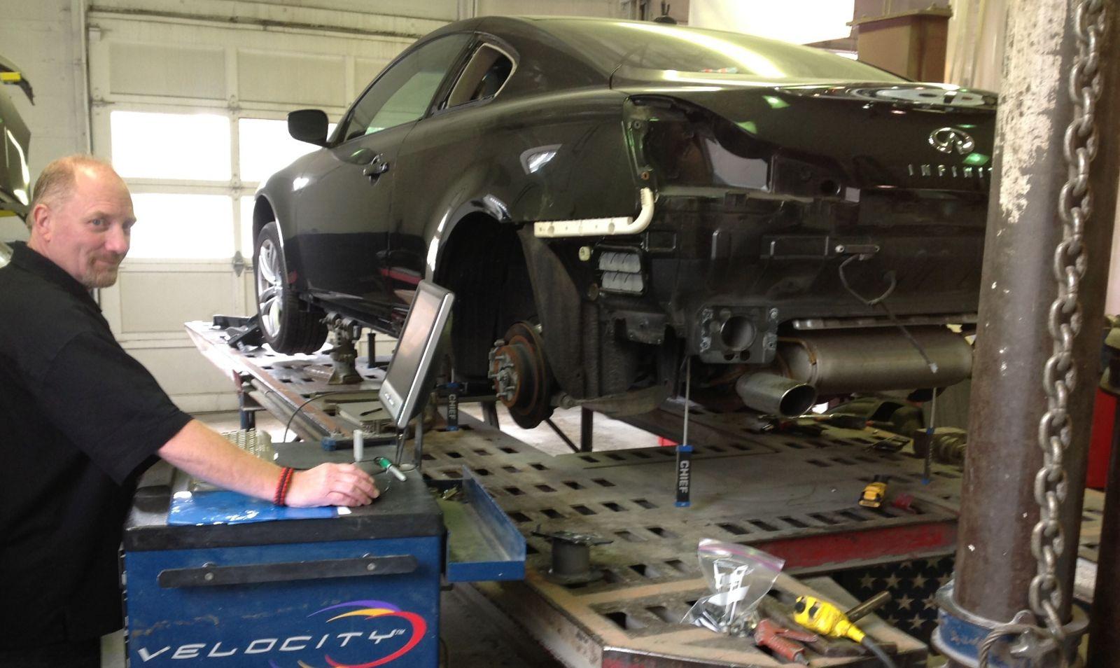 Carstar | Wally's CARSTAR Auto Body: Repair Tech