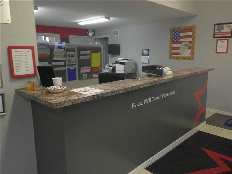 Autobody Resurrection CARSTAR: Front Desk