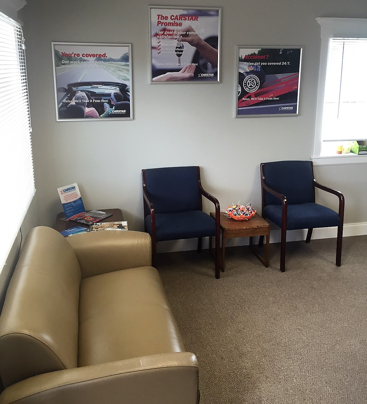 Hi-Tech CARSTAR Eastside: Customer Waiting area
