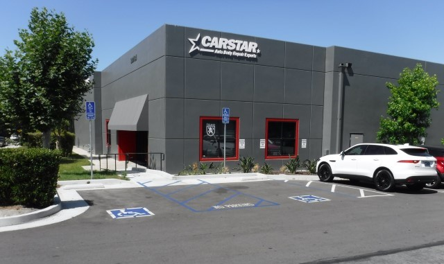 CARSTAR MCLAREN UNIBODY LAKE FOREST