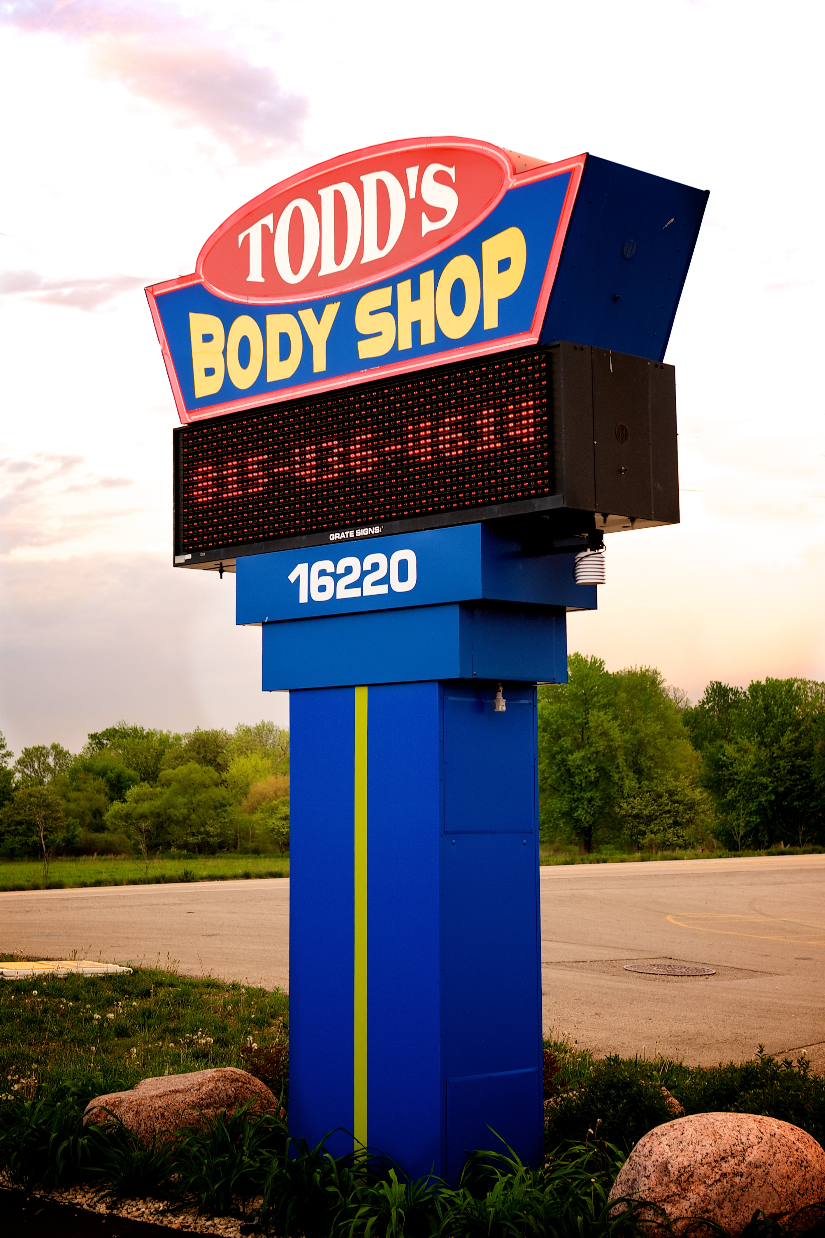 Carstar | Todd's Body Shop Sign 2
